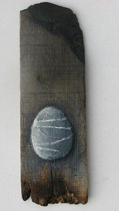 Pebble (on wood)