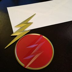From the hit show The Flash comes this amazing letter opener! Measuring approximately 7 inches long, the lightning bolt letter opener is made of high quality metal and stores nicely on the scarlet cir