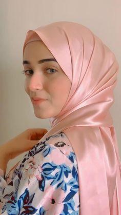 Square Hijab Tutorial, Hijab Style Tutorial, How To Wear Hijab, Ways To Wear A Scarf, Muslim Fashion, Hijab Fashion, Fashion Tips, Hijab Dress Party, Girl Artist