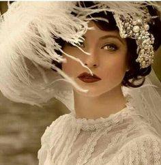 Beautiful vintage makeup!!