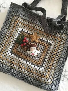 Transcendent Crochet a Solid Granny Square Ideas. Inconceivable Crochet a Solid Granny Square Ideas. Crochet Purse Patterns, Crochet Motifs, Crochet Tote, Granny Square Crochet Pattern, Crochet Handbags, Crochet Squares, Crochet Purses, Crochet Granny, Crochet Stitches