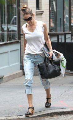 Sarah Jessica Parker Capri Jeans - SJP's light-wash capri jeans were a fun summertime choice.