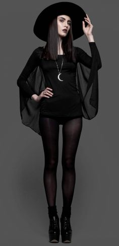 Cute goth style outfit ideas Süße Outfit-Ideen im Gothic-Stil Style Outfits, Mode Outfits, Fashion Outfits, Cute Goth Outfits, Grunge Outfits, Fashion Advice, Dress Fashion, Fashion Fashion, Street Fashion