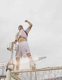 Leandro Guerreiro: uma das cenas inesquecíveis que nunca foram repetidas em conquista de títulos (Fonte:SPFC.net)