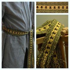 Thor's hammer and birka braids tablet weaving. I love the edge pattern. Inkle Weaving, Inkle Loom, Card Weaving, Tablet Weaving Patterns, Viking Garb, Woven Belt, Tear, Costume, Weaving Techniques