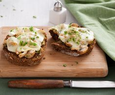 Recept: Mozzarella-sandwich met kruidige champignons | Gezond Eten Magazine