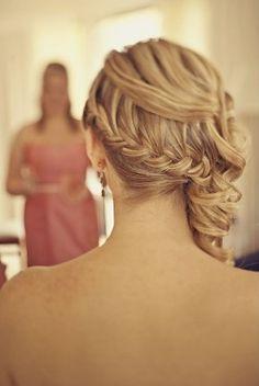 Lindo penteado para eventos como casamentos e formaturas!