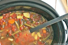 When days are cool, chili is on the menu. This list of frugal & delicious slow cooker soups and chili's is right up my alley! Nothing but fresh fall ingredients and perfect for chilly night. 16 different recipes to choose from, including meat-loving and vegetarian options! :: DontWastetheCrumbs.com