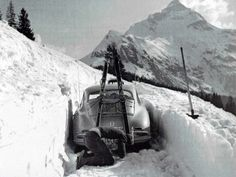 """manoftheworldmagazine: """"I always do the contrary of what my coaches tell me."""" - Bode Miller, American World Cup alpine and Olympic gold medalist ski racer. Porsche 356 Coupe and an avid and undisciplined skier. Porsche Classic, Classic Cars, Porsche Autos, Porsche Cars, Porsche 356a, Vw Vintage, Vintage Porsche, Vintage Sport, Photo Ski"""