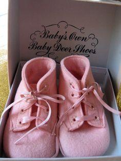 Vintage Baby Deer pink felt baby shoes.