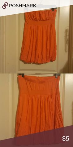 Orange Tube Top Orange Tube Top. Cute with shorts or leggings. Tag size is not attached. But I buy a large so know its a large Tops