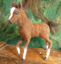 Needle Felted Baby Horse Foal van ClaudiaMarieFelt op Etsy