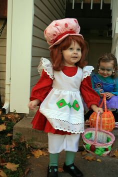 Creative Custom Costumes and Consulting: Strawberry Shortcake Child Modest Halloween Costumes, Halloween Costumes Women Creative, Halloween Costume Contest, Diy Costumes, Halloween Kids, Costume Ideas, Costume Halloween, Strawberry Shortcake Costume, Strawberry Dress