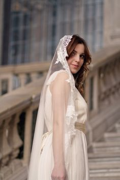 French lace #mantilla #veil from All About Romance  Photography by Justina Bilodeau Photography