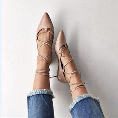 61.75$  Watch now - http://ali39k.shopchina.info/go.php?t=32785454732 - 2017 spring women fashion high heel pointed toe cross-tied low square heels lace-up ladies casual shoes black apricot   #aliexpresschina