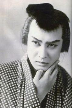 長谷川一夫 Kazuo Hasegawa (1908 - 1984) was a Japanese actor. S)