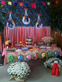 Encontrando Ideias: Tema Festa Junina Birthday Parties, Happy Birthday, Diy Party, Party Ideas, Essie, Birthday Candles, Gingerbread, Cake, Holiday