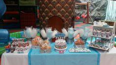 Meza de dulces y snacks Frozen