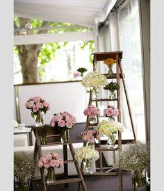 Ideias para decorar o casamento com escadotes. #casamento #ideias #decoracao #escadote