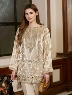 AyeshaYousafZai Pakistani Fashion Party Wear, Pakistani Formal Dresses, Shadi Dresses, Pakistani Wedding Outfits, Pakistani Dress Design, Designer Party Wear Dresses, Kurti Designs Party Wear, Stylish Dresses For Girls, Wedding Dresses For Girls
