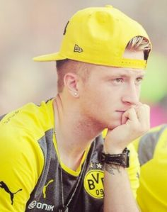 Marco Reus being seriously cute and what not @taliake @nicolaelizzy @flyinuptothesky