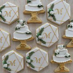 Wedding Dress Cookies, Wedding Shower Cookies, Cookie Wedding Favors, Edible Wedding Favors, Wedding Sweets, Cookie Favors, Cookie Gifts, Bridal Shower, Decorated Wedding Cookies
