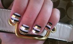 Black, white, and gold stripes are so cute.