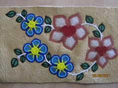 Athabascan Beadwork Designs Inspire Sidewalk Mosaics — Morris Thompson Cultural and Visitors Center Loom Patterns, Flower Patterns, Beading Patterns, Beading Ideas, Native Beadwork, Native American Beadwork, Beadwork Designs, Nativity Crafts, Beaded Purses