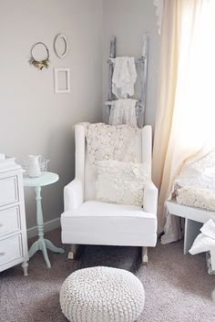Baby Girl Nursery This is the style I'm going for.