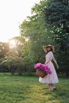 Girly Pictures, Lany, Beauty Skin, Pretty In Pink, Peonies, Photo Art, Photoshoot, Flower Photography, Outfit