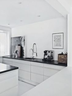 minimalistic kitchen via fashionsquad.com