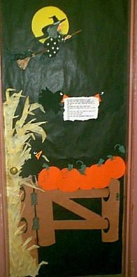 classroom door decorations | ... door for 2000 we were doing a pumpkin unit so the door depicts the 5