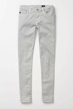 Son los Jeans mas lindos que he visto, después del turquesa por supuesto! ♥