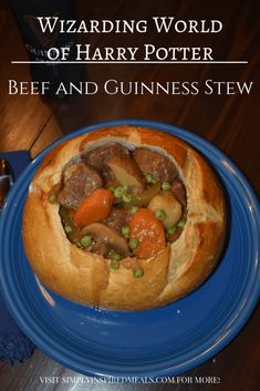 Wizarding World Beef and Guinness Stew inspired by the Three Broomsticks menu at Universal Studios and the Harry Potter books. Harry Potter Cookbook, Harry Potter Food, Harry Potter Recipes, Crockpot Recipes, Cooking Recipes, Barbecue Recipes, Oven Recipes, Easy Cooking, Easy Recipes
