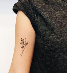 Flower Tattoo Designs Mini Blumentattoo einfach 38 Source by Flower Tattoo Designs,F Mini Tattoos, Body Art Tattoos, Small Tattoos, Tatoos, Inner Arm Tattoos, Piercings, Piercing Tattoo, Subtle Tattoos, Trendy Tattoos