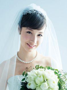 Bride Veil, Beautiful Girl Photo, Headdress, Bridal Collection, Girl Photos, Bridal Hair, Wedding Styles, Wedding Ceremony, Marie