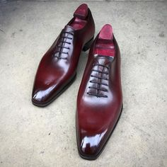 """gazianogirling: """"Another example of what patina we can do on our naked """"Sinatras"""" on the square Deco last. A Coronation Red patina. #gazianogirling #gazianoandgirling #shoeporn #madetoorder #patina..."""