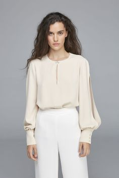Blusa Judy Swarovski, Bell Sleeves, Bell Sleeve Top, Glamour, Color Beige, Lingerie, Blouse, Long Sleeve, Women