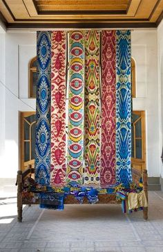 ikat - uzbekistan. handeyemagazine.com