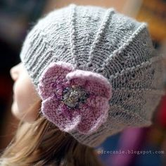 Ravelry: Poppy pattern by Justine Turner. Free.this hat is worked on straight needles with the ribbing being worked with a circular needle. The pattern is available in 3 yarn weights and 7 sizes.