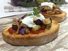 Varomeando: Crostini con berenjenas y cremoso de mozzarella