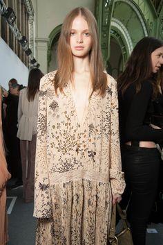 Chloé Fall 2015 Ready-to-Wear Fashion Show Next Fashion, Boho Fashion, High Fashion, Fashion Beauty, Fashion Show, Womens Fashion, Fashion Design, Chloe, 2015 Fashion Trends