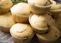 Zielakowo: Budyniowe muffiny z masłem orzechowym i snickersami