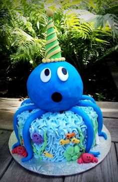 Octopus Marble cake with vanilla buttercream! Fancy Cakes, Cute Cakes, First Birthday Cakes, Birthday Ideas, Birthday Cup, Octopus Cake, Tall Wedding Cakes, Cake Pictures, Cake Pics