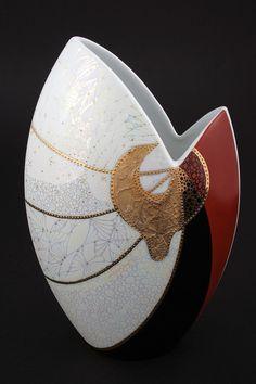 Gold Standard Porcelain China Value Porcelain Jewelry, Porcelain Vase, Fine Porcelain, Painted Porcelain, Slab Pottery, Pottery Vase, Ceramic Pottery, China Painting, Ceramic Painting