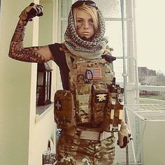 Valkyrie from Rainbow Six Siege Cosplay Rainbow Six Siege Art, Rainbow 6 Seige, Rainbow Six Siege Memes, R6 Wallpaper, Female Soldier, Military Women, Girls Uniforms, Badass Women, Best Cosplay
