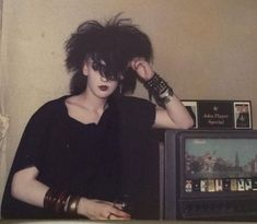 Dazed and Confused Post-Punk DarkWave Electronic New Releases and Classic Tracks 80s Goth, Goth Boy, Grunge Goth, Punk Goth, Goth Girls, Goth Rave, Vintage Goth, Goth Subculture, Riot Grrrl