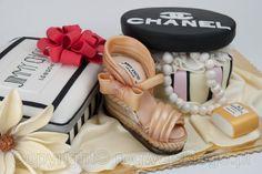 Tort dla zakupoholiczki, Shopaholic cake, tort dla kobiety, zakupy, szpilki, chanel, jimmy choo, www.rogwojskiego.pl