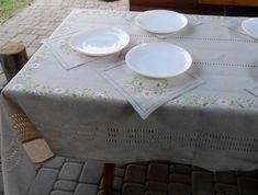 Embroidered tablecloth with embroidered napkins Hand embroidered tablecloth with hemstitches Country table Embroidery chamomiles Linen Tablecloth, Table Linens, Handmade Table, Holiday Tables, Table Covers, Cottage Chic, Napkins, Dining Table, Table Decorations