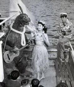 Godzilla in his free time. A man in a captain's hat strummed a ukulele while a nice lady danced.and godzilla. played a guitar. Jesse Owens, Godzilla Toys, Jimi Hendrix, Cartoon Meme, Old Posters, Movie Posters, Japanese Film, Japanese Horror, Monsters